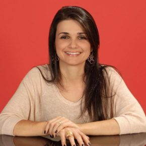 Semana Especial Marina Carvalho -  Biografia da autora